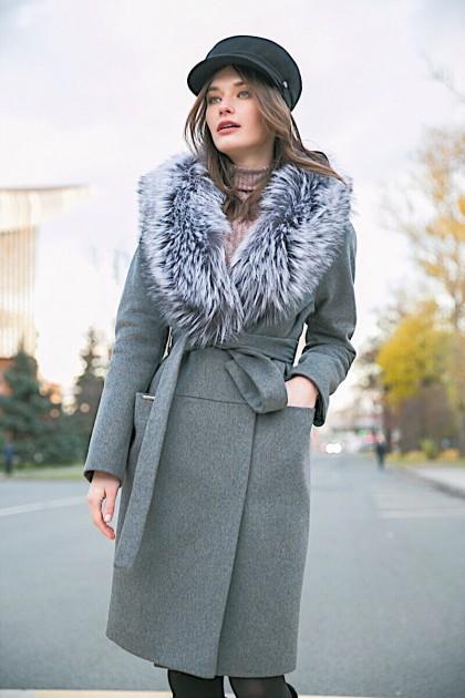 Зимнее женское пальто с мехом Dekka
